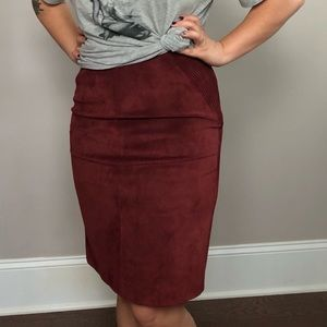 [Dkny] leather burgundy skirt with moto stitching